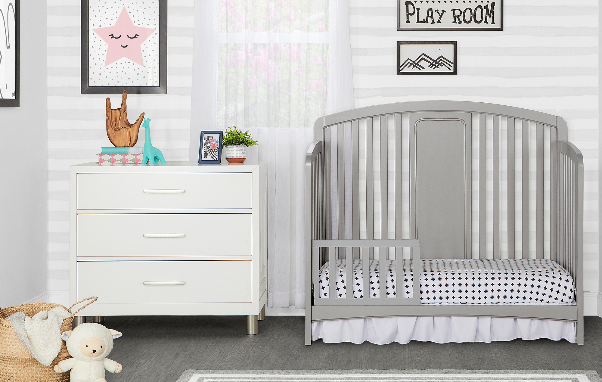 775-SGP Arc Toddler Bed Room Shot