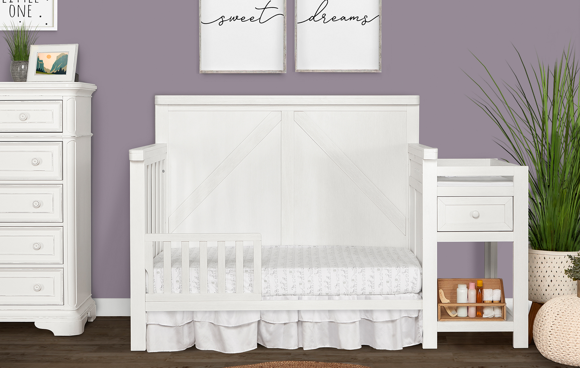 773-WWHITE Meadowland Toddler Bed Lifestyle Shot