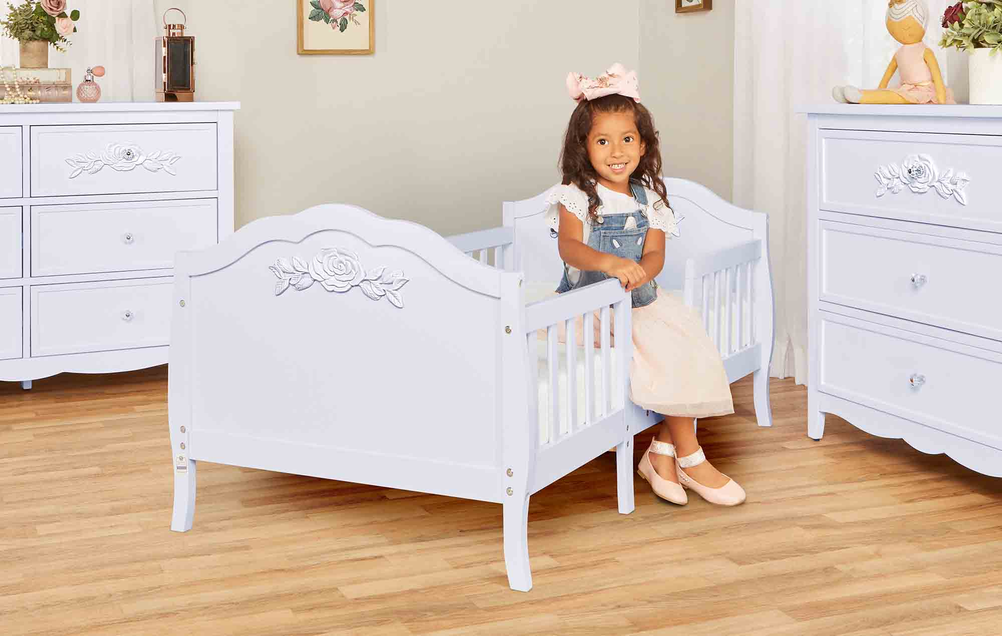 640_LAVD Rose Toddler Bed RmScene 05